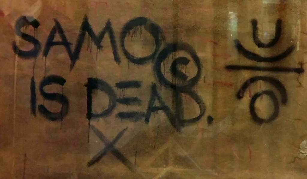 Basquiat_graffiti-SAMO-is-dead-1980-NYC-foto-Wilma-Lankhorst