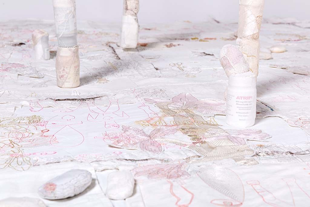 Celio-Braga-detail-installatie-Memory-Unsettled-Cultural-Threads-2019-foto-Josefina-Eikenaar