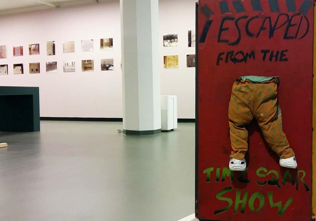 Museum_SCHUNCK_muur-vol-SAMO-tags-©henry-Flynt-en-Alexis-Adler-foto-Wilma-Lankhorst