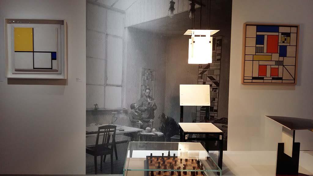 Bauhaus_Nelly-en-Theo-van-Doesburg-foto-Wilma-Lankhorst