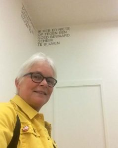 Maria Lassnig selfie-met-uitspraak-Lassnig-foto-Wilma-Lankhorst