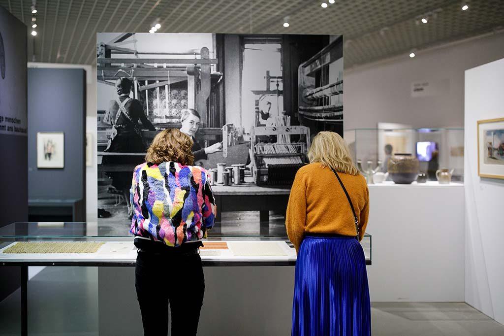 nederland-bauhaus in-Museum-Boijmans-Van-Beuningen-in-Rotterdam-weven.-Foto-Aad-Hoogendoorn