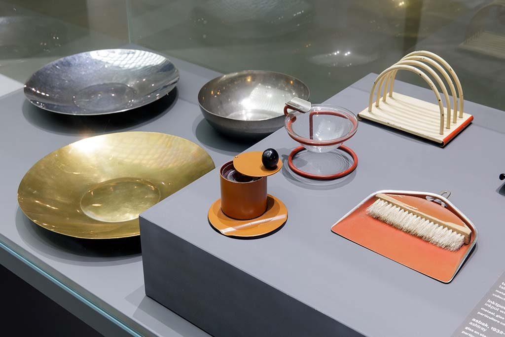 nederland-bauhaus-in-Museum-Boijmans-Van-Beuningen-in-Rotterdam.-schalen-Aad-Hoogedoorn