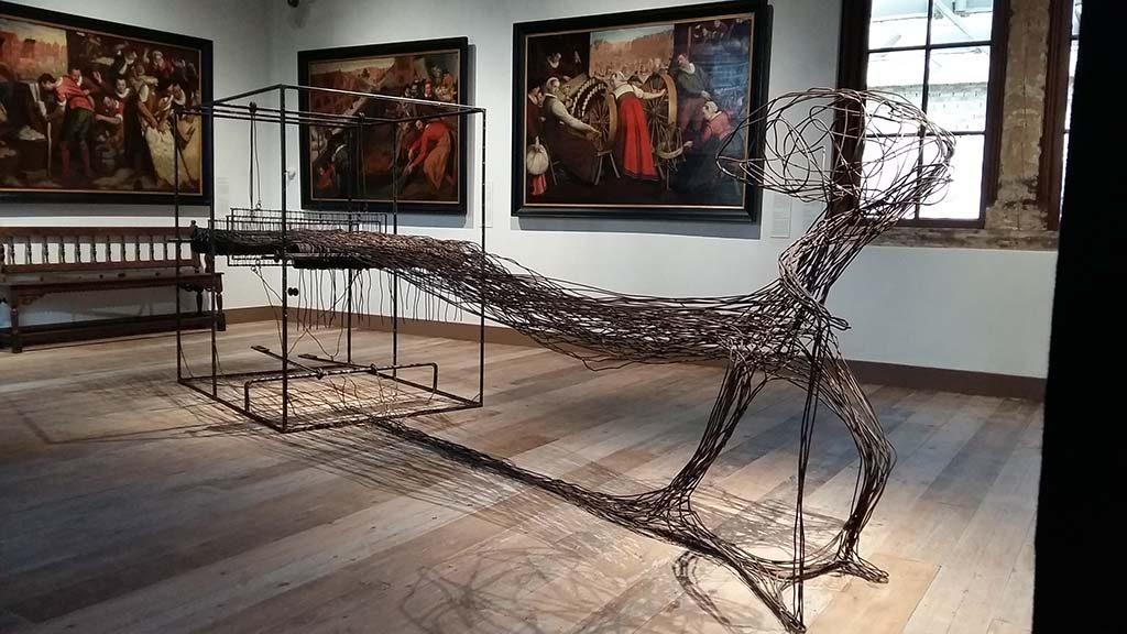 Museum_de_Lakenhal_Grote-Pers_-sculptuur-Vooruit-2014-Atelier-van-Lieshout-foto-Wilma_Lankhorst