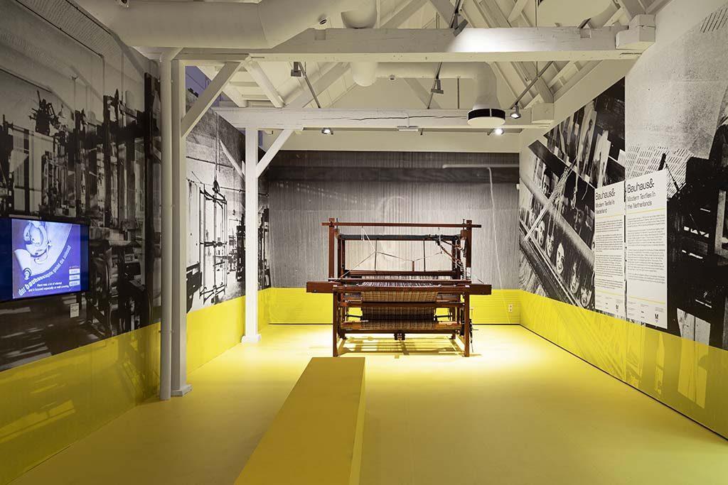 bauhaus-en-modern-texteil-textielmuseum-Tilburg-foto-Josefine-Eikenaar