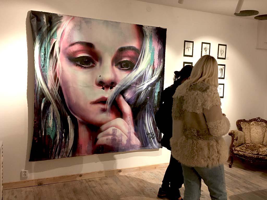 Yasja_Ligtelijn_portret_Kyma-Mint-Streetart-Gallery-Kristiansand-Nor-2019