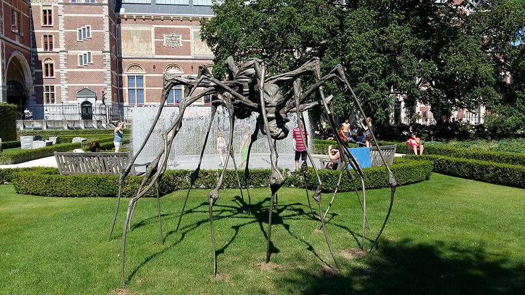 ARTZUID 001_Louise_Bourgeois-1911-2010-Spider-Couple-2003-Rijkstuinen-foto-Wilma-Lankhorst