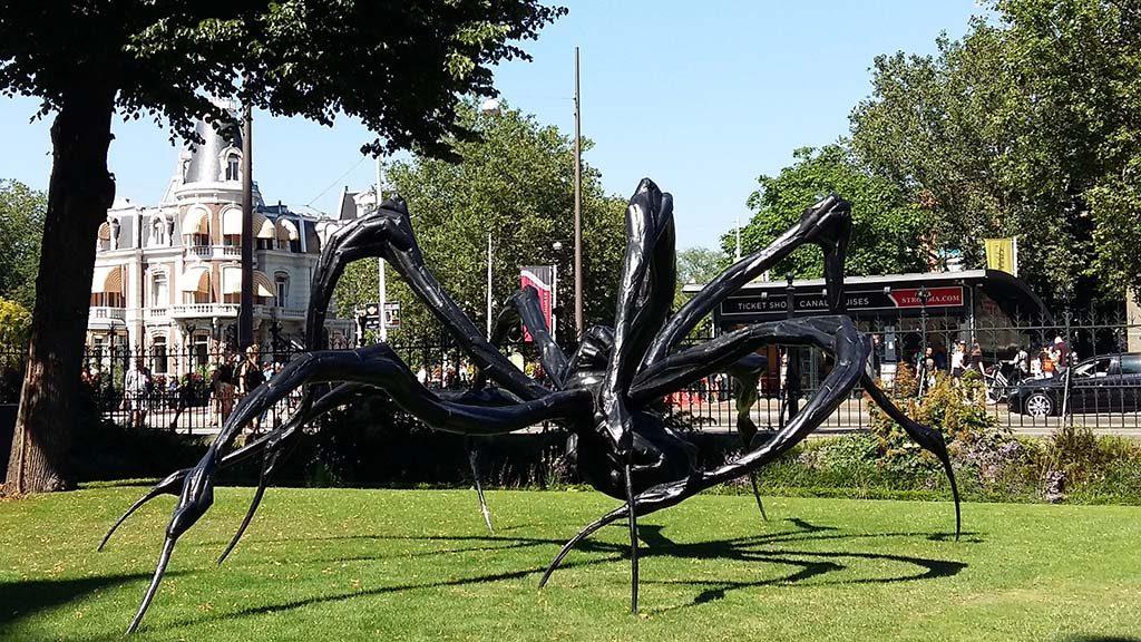 ArtZuid 002_Louise_Bourgeois_Crouching-Spider-2003-Rijkstuinen-foto-Wilma_Lankhorst
