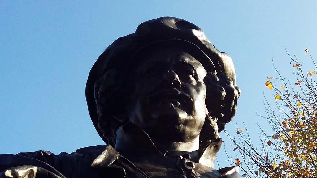 Leiden_bronzen_Rembrandt_1906_Toon_Dupuis_Witte_Singel_foto-Wilma_Lankhorst