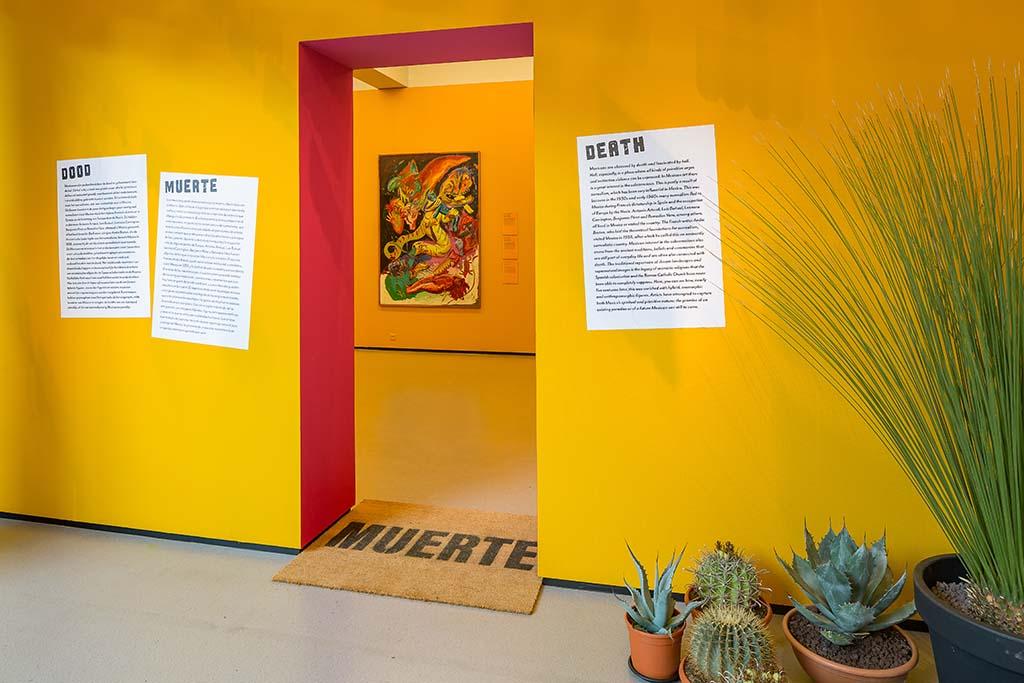 Intens-Mexico_Sept-2019_Peter_Tijuis_ingang_gele-kamer_de_dood.