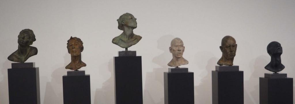 Lotta Blokker Serie bustes door Lotta Blokker Museum de Fundatie © foto Wilma Lankhorst.