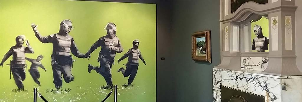 Banksy-The-Battle-of-the-Beanfield-1-juni-1985-MOCO-Museum-Amsterdam-foto-Wilma-Lankhorst