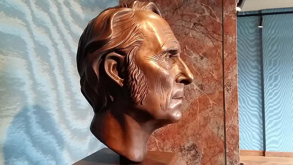 Kasteel-Ruurlo-Carel-Willink-bronzen-buste-©SylviaQueil-1977-coll.-Museum-MORE-foto-Wilma-Lankhorst