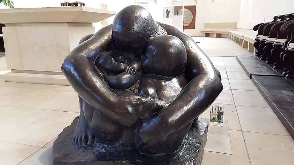 Blokker & Kathe Kollwitz moeder-met-tweeling-1927-1932-Apostelkirche-Munster-2017-foto-Wilma-Lankhorst