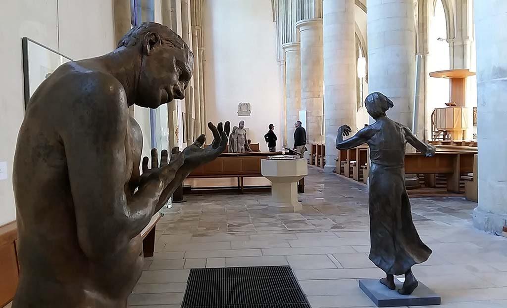 Lotta Blokker overzicht-expositie-in-Apostelkirche-Munster-2017-foto-Wilma-Lankhorst