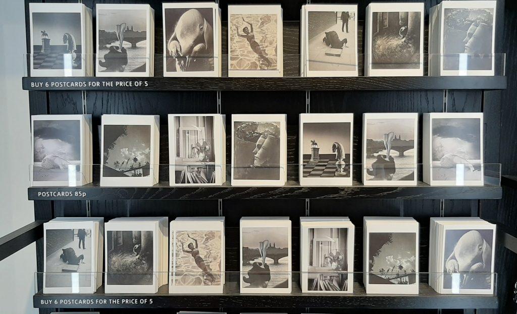 Dora Maar kaarten in de museumwinkel