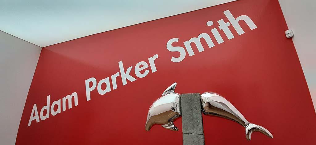 Adam Parker Smith in het Moco Museum © foto Wilma Lankhorst