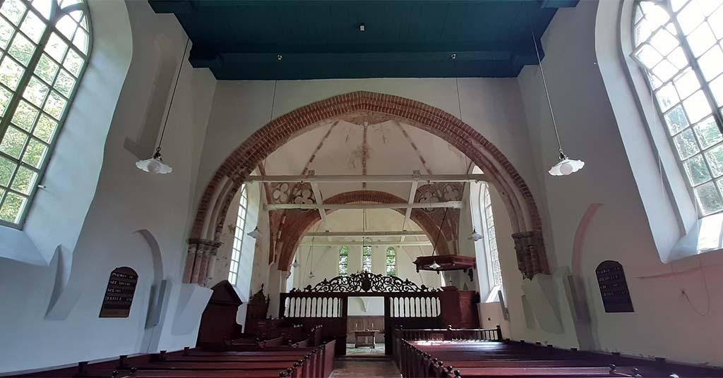 Andreaskerk (1259) Westeremden © foto Wilma Lankhorst