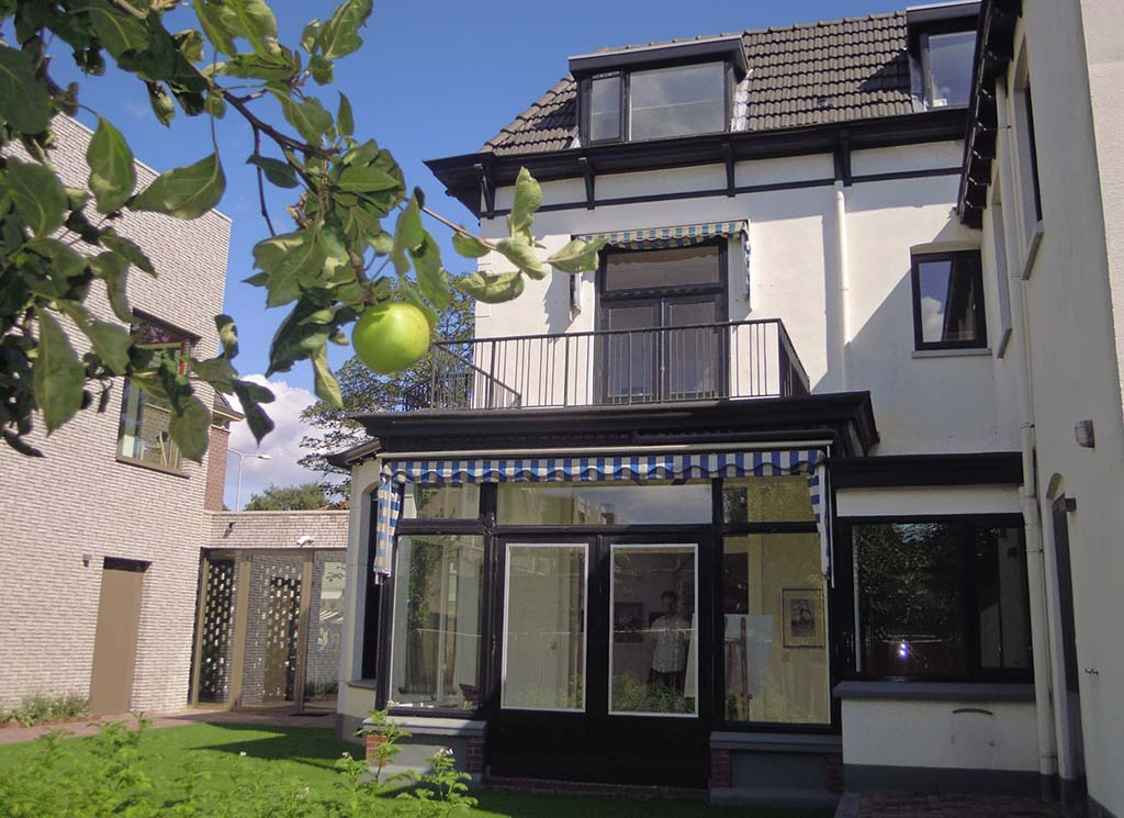 Kunstrondje Achterhoek VillaMondriaan vanuit het zolderraam keek Mondriaan naar de kerktoren foto Wilma Lankhorst