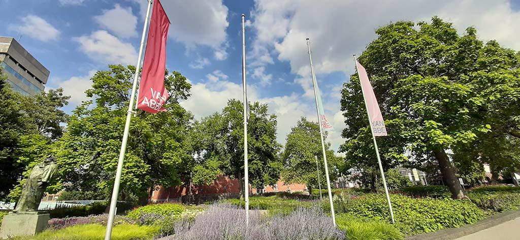 Van Abbemuseum met tuinontwerp van Piet_Oudolf © foto Wilma_Lankhorst