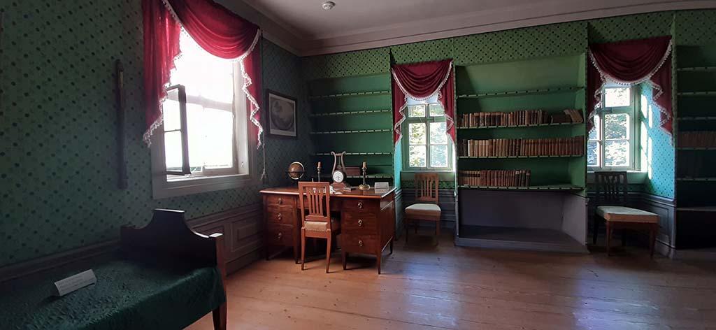 Weimar Schiller_Haus_ Schillers werk- en slaapkamer © foto Wilma_Lankhorst