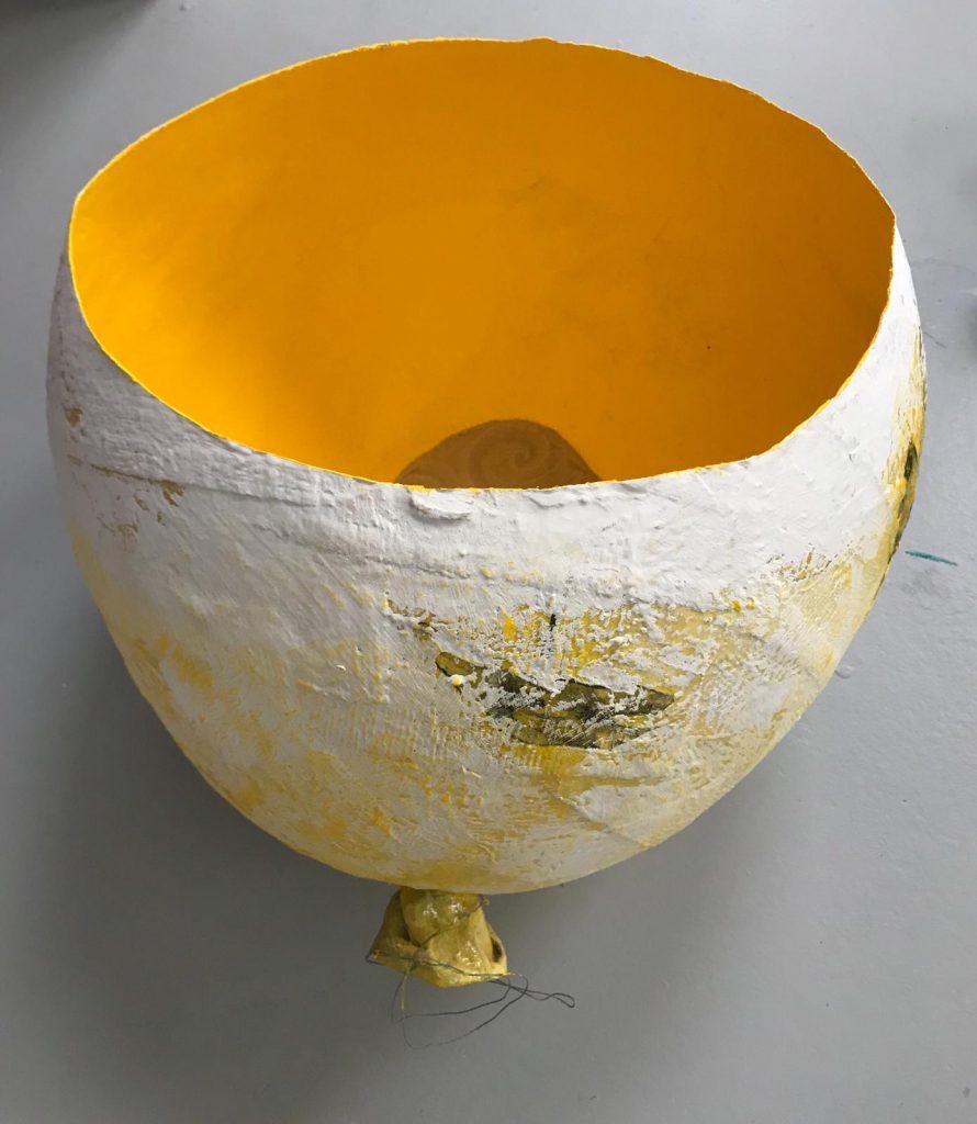 Kunstenaar-in-coronatijd Monique Wolbert, object Bubble (2020) doorsnede 40 cm