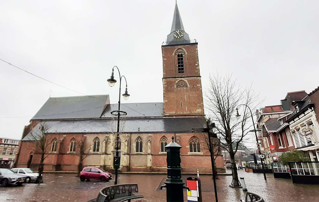 Winterswijk de kerk die Piet Mondriaan vanuit zijn zolderraam zag © foto Wilma Lankhorst