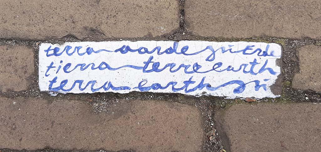 Street_art_Delft Blauwwitte klinkers keramiekfestival (2011) © Claudia © foto Wilma_Lankhorst