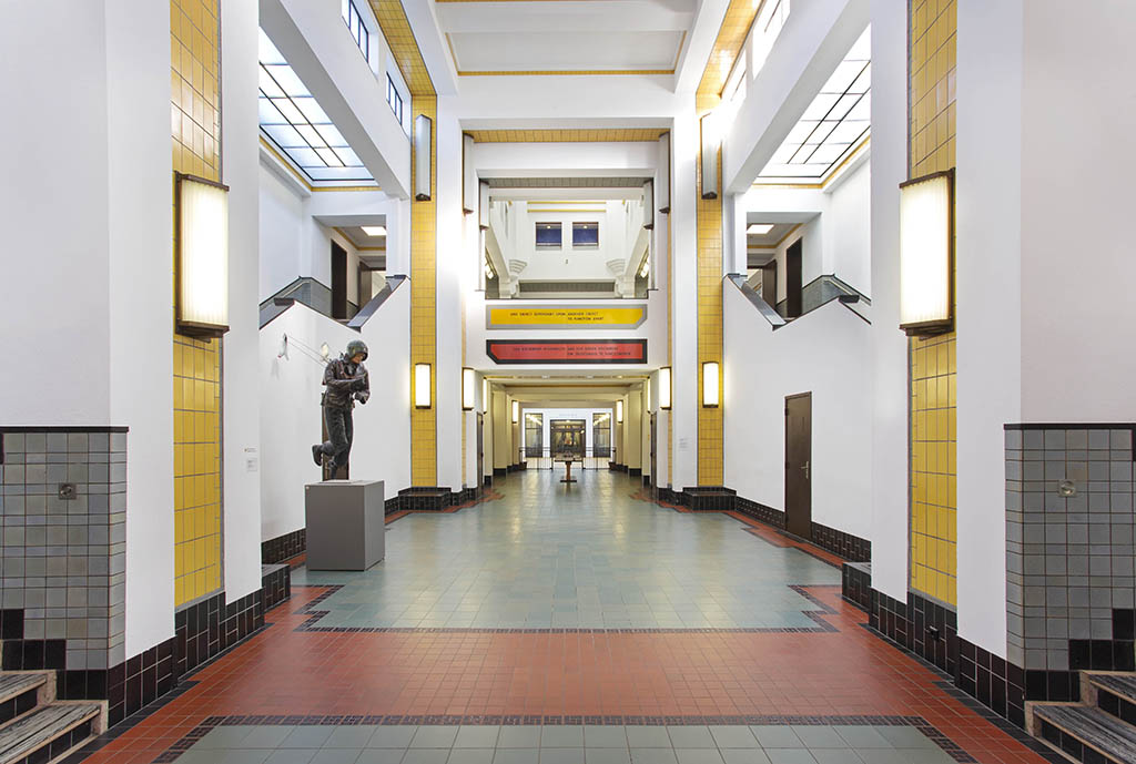 musea weer Open Centrale hal van Kunstmuseum Den Haag © foto Gerrit Schreurs
