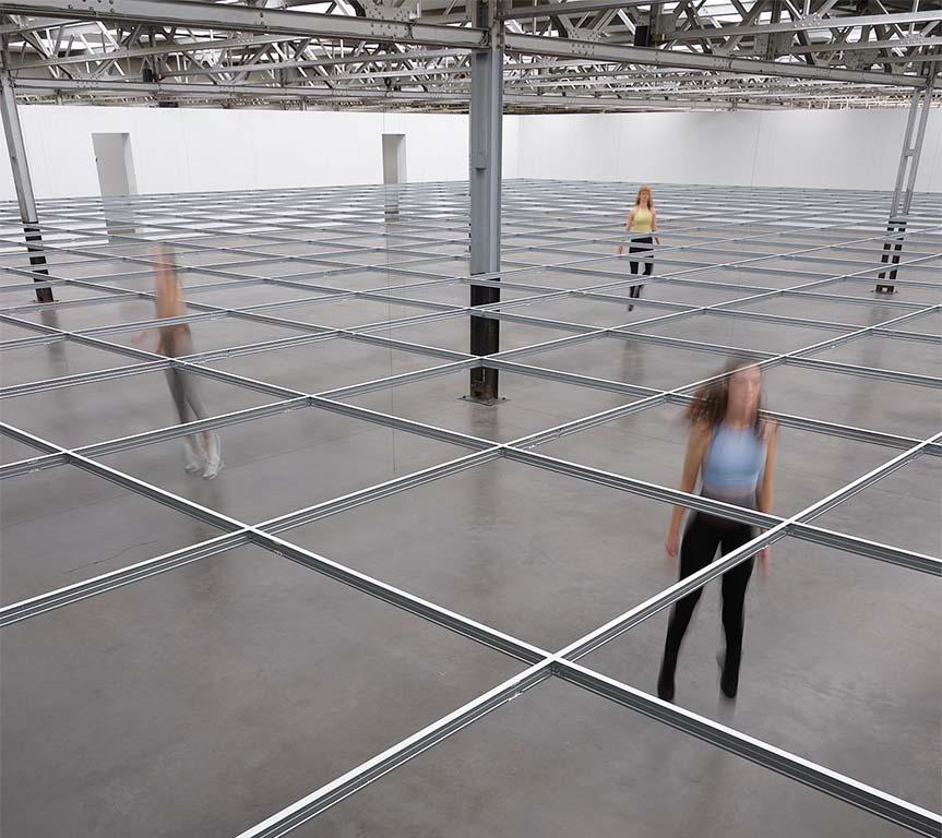 musea_weer_open Installation view at De Pont Museum, Tilburg © foto Rene van der Hulst
