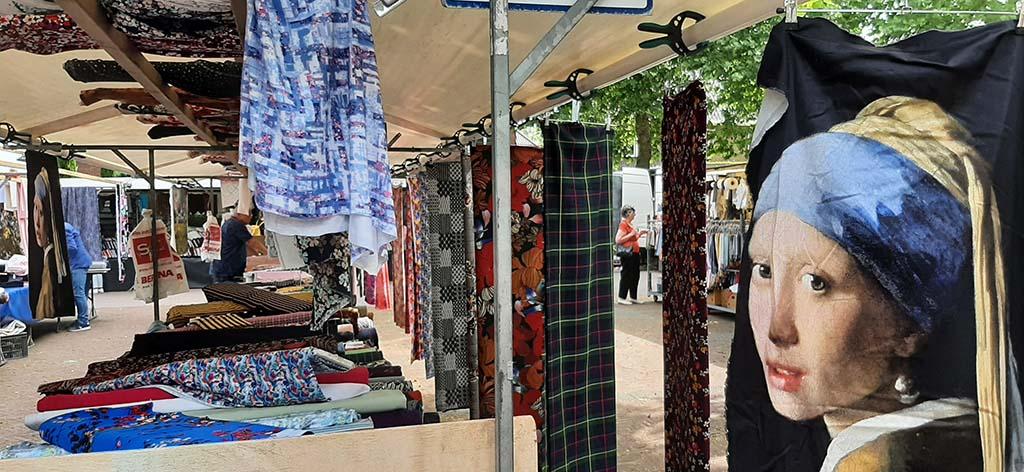 Doetinchem stoffenmarkt op dinsdag © foto Wilma Lankhorst